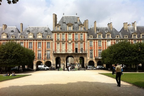 Place des Voges looking to the Pavillion