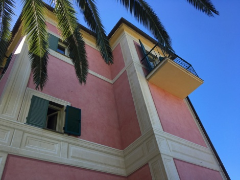 Beautifully painted villa...