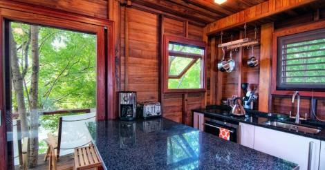 bungalow_downstairs_kitchen_view_high_res-1920x1005
